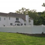 Scalloped Spindle Top PVC Vinyl Fence